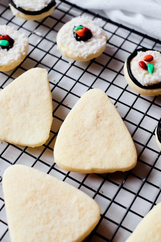 making sugar cookie sushi